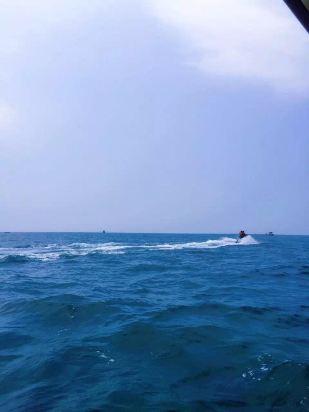 北海涠洲岛夕阳海岸沙滩木屋咨询