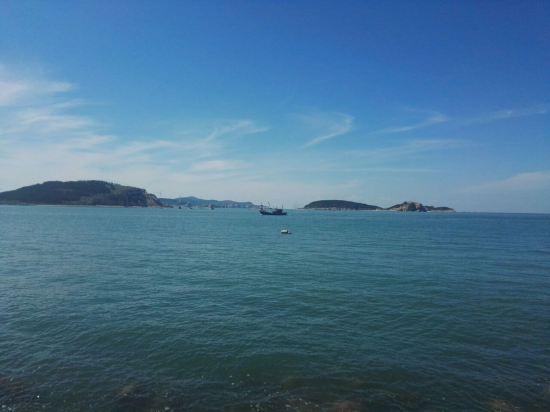 距离港口和长岛游客中心非常近,说是渔家乐,更应该说是渔家客栈,在