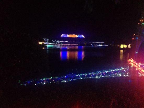乐山晚上风景照