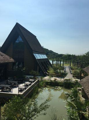 非常不错的地方  看照片还以为到了京都或者巴厘岛度假  服务员也