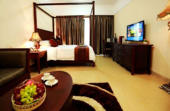 大客厅和大厨 酒店环境没得说,公寓式,面朝大海,无敌海景.
