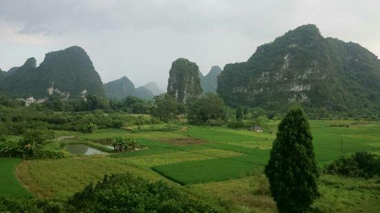 田园风景简笔画雨天