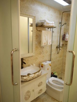 欧式卫生间装修效果正面
