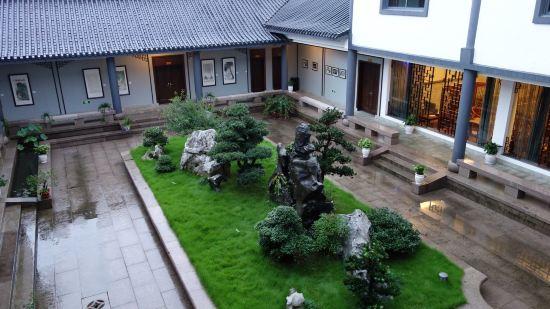 0分 发表于2014-08-29 隐藏在四明山中的中式庭院酒店,更有书画氛围