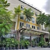 阿迪拉回教安巴魯克莫禪房酒店