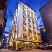 佩拉中央酒店