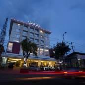 祖瑞瑪麗奧勃洛大酒店