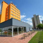 奧拉設計花園泳池酒店
