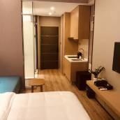 青島奧萊斯酒店